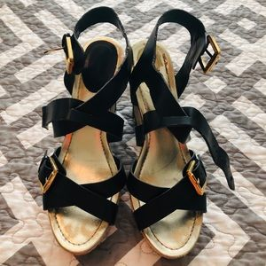 Shoes - Adorable woven wedges